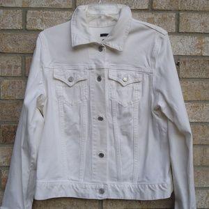 SIZE L .Women's white GAP Jean Jacket .